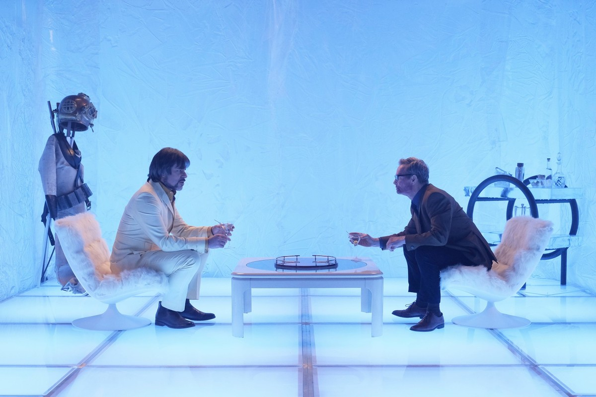 Bill Irwin as Cary Loudermilk and Jemaine Clement as Oliver Bird in the Astralplane,