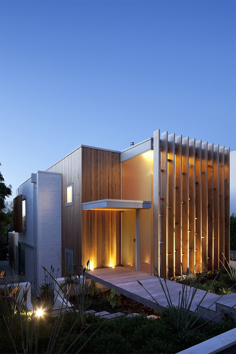 Brown Vujcich in Herne Bay, New Zealand by Bossley Architects