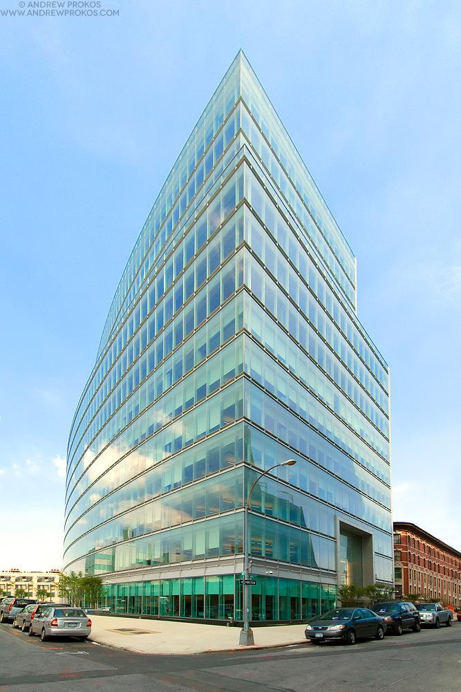 Court Square Place, Long Island City NY. Architect: AECOM © Andrew Prokos