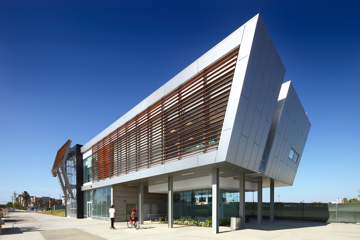 Martin Luther King Jr. Transit Center, Compton, CA, Architect: Base Architecture © Nico Marques/Photekt