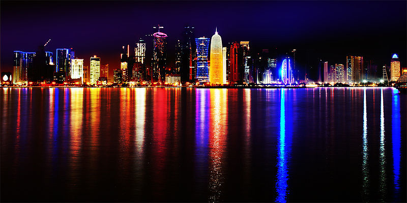 Doha, Qatar 2012, skyline at night (Showing the expansion of the business district)