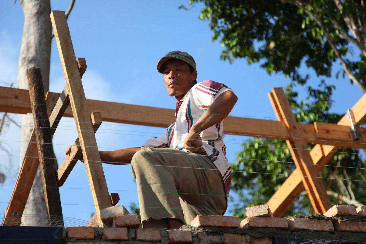 Local worker (Photo: Zifeng Wei)