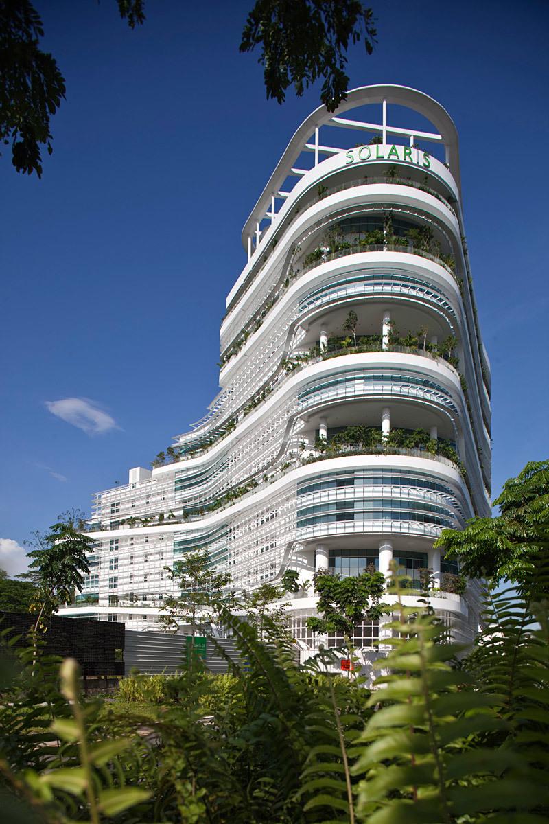 Solaris Fusionopolis 2B, One North, Singapore - TR Hamzah and Yeang (Photo: Albert Lim)