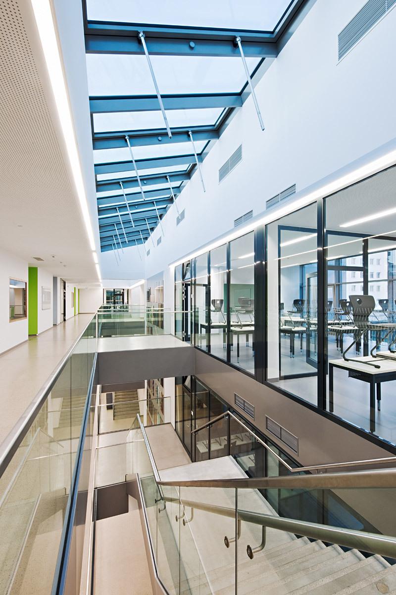 Stelzhamerschule Linz, Hallway third floor (by KIRSCH Architecture) Photo by Hertha Hurnaus