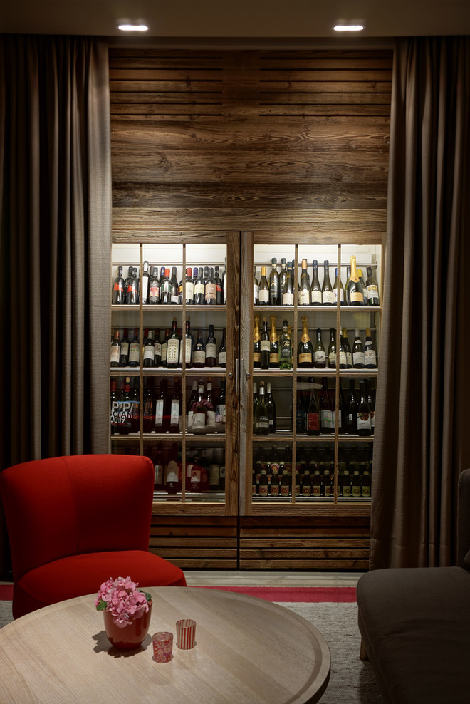 The bar's intimate area with a vast selection of local wines.