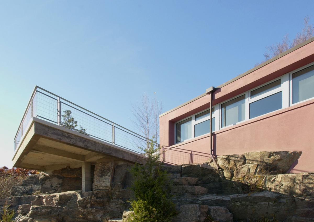 CONNECTICUT SHORE HOUSE – Main house exterior