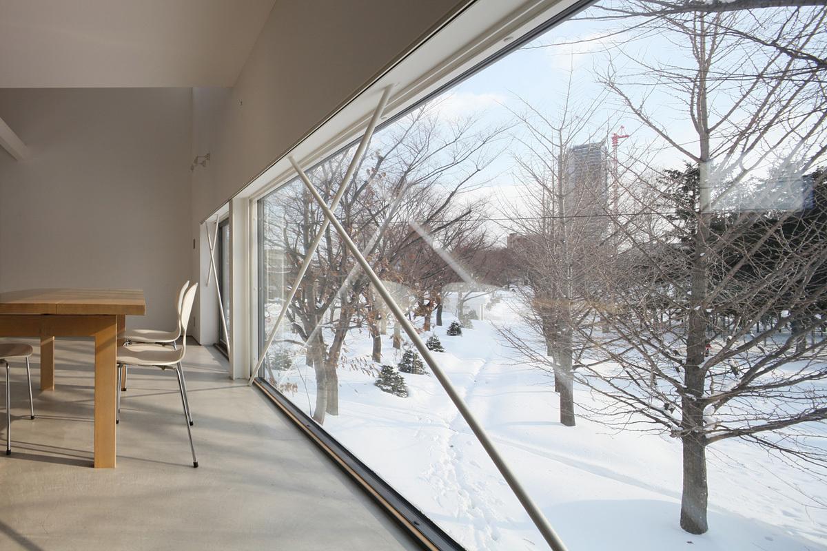 White Collage in Sapporo, Japan by Keikichi Yamauchi architect and associates; Photo: Koji Sakai