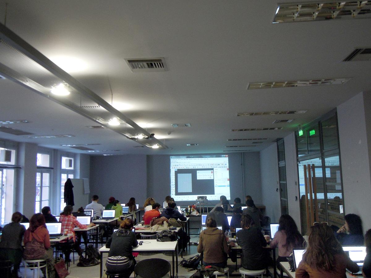 Arduino tutorials during AA Athens 2013 (Photo: Alexandros Kallegias)
