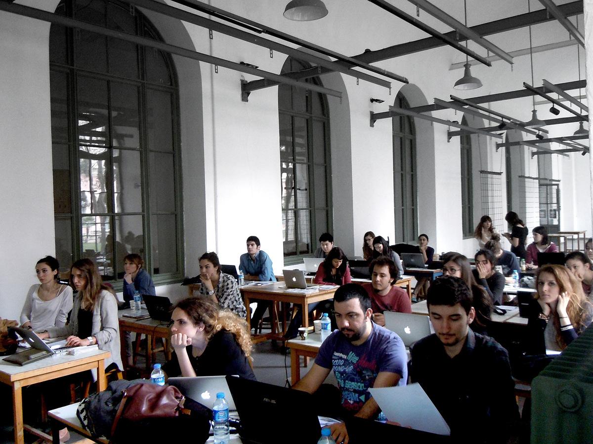 Processing tutorials during AA Istanbul 2013 (Photo: Elif Erdine)