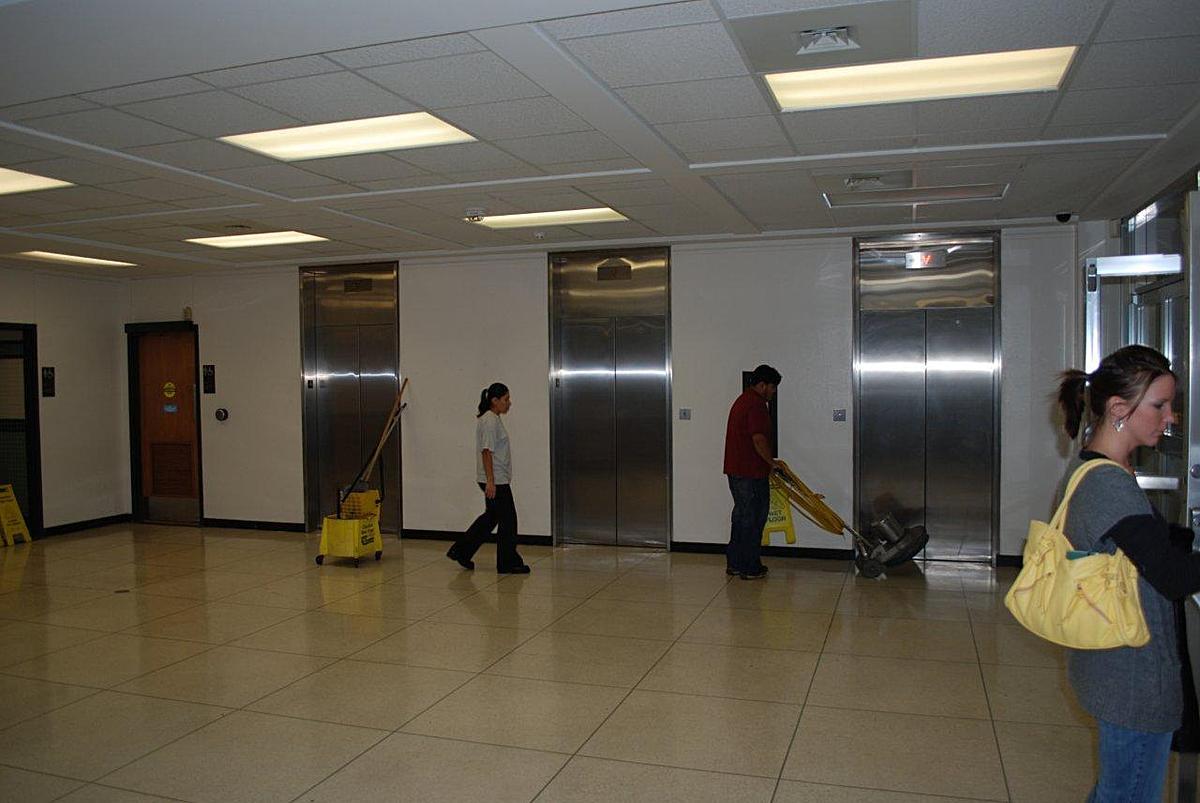 3rd floor lobby before renovation