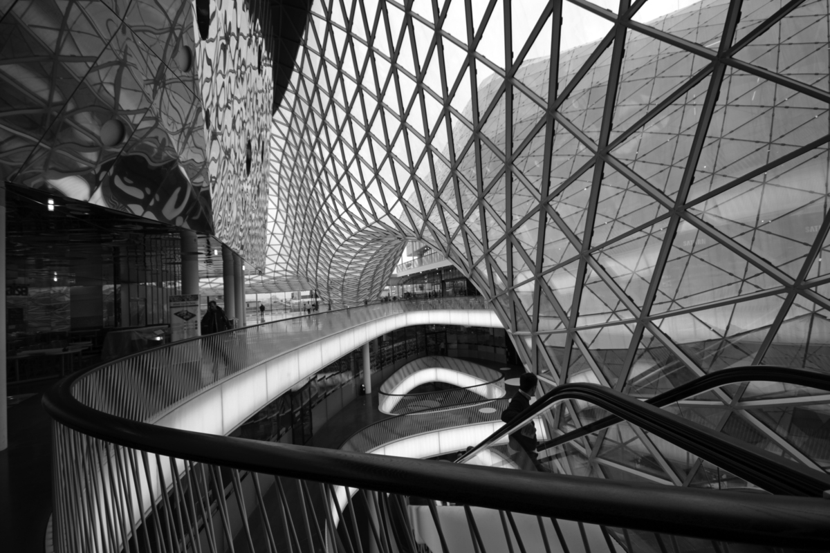 Studio Fuksas, MyZeil Shopping Mall, Frankfurt, 2009. Interior. Photo © Karsten Monnerjahn.