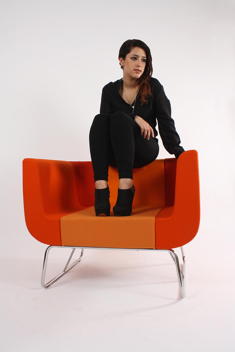 EOS-ARIAS Blackbackrest, Sara Arias, by Frida Garibay