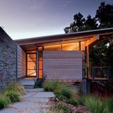 Halls Ridge Knoll Guest House; San Francisco, California by Bohlin Cywinski Jackson (Photo: Nic Lehoux)