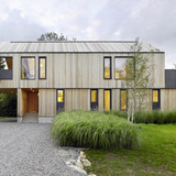 Maison Glissade in Collingwood, Canada by AKB-Atelier Kastelic Buffey