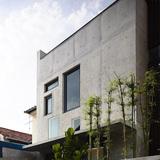Belimbing Avenue in Singapore by HYLA Architects; Photo: Derek Swalwell