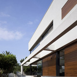 G HOUSE | Contemporary Mediterranean Villa in Ramat HaSharon, Israel by PazGersh Architecture Design (Photo: Amit Giron)