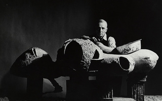 'Friedrich Kiesler: Architect, Artist, Visionary' at Martin-Gropius-Bau tells, rather than shows, the architect's oeuvre