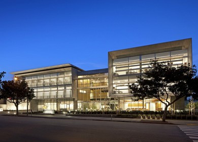 UCLA 16th Street Outpatient, Surgery, and Oncology Center
