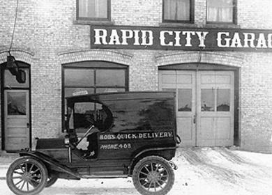 Rapid City Garage / Murphy's Pub & Grill
