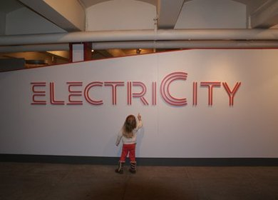 Electricity: Powering New York's Rails