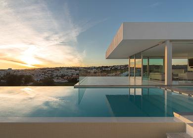 Villa Escarpa by The Oakridge Partnership Ltd