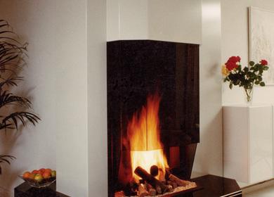 Contemporary Fireplace/ Cheminée contemporaine