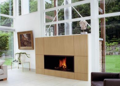 Contemporary fireplace / Cheminée contemporaine