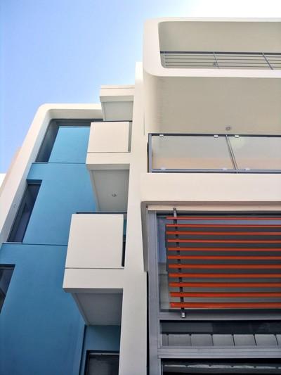 MIXED-USE BUILDING IN HALANDRI