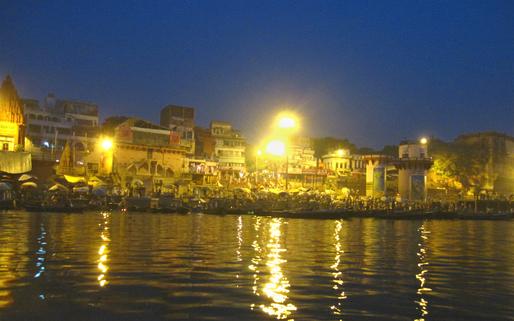 Dasashvamedha Ghat just before daybreak