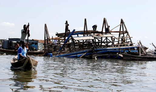 Kunlé Adeyemi's Makoko floating school collapses