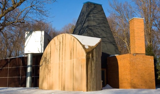 Frank Gehry's Winton Guest House to be up for sale on May 19 in Chicago