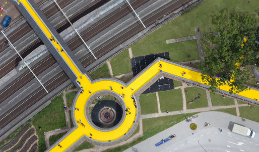 Follow the yellow wooden road into Rotterdam's new Luchtsingel pedestrian park