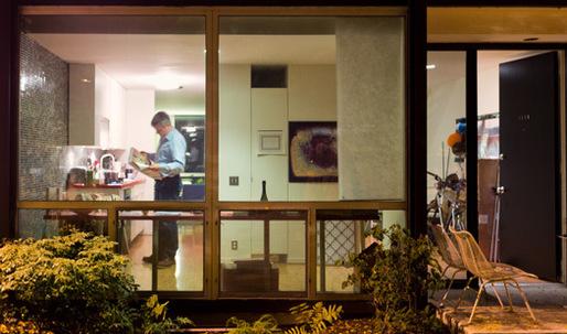 Living in Mies van der Rohe's Lafayette Park