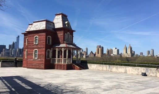 """A full-scale replica of the """"Psycho"""" house touches down on the roof of the Met"""