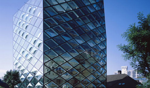 In Tokyo, Brand-Name Stores by Brand-Name Architects