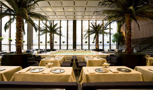 Landmarked Four Seasons restaurant must not be changed, NYC landmarks commission rules