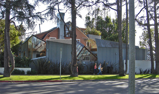 Gehry's Santa Monica Residence Wins AIA Twenty-Five Year Award